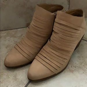 Camel colored Lucky brand Zavrina booties